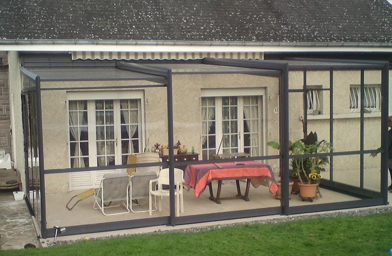 Modèle Limousin d'un abri de terrasse Eureka Worldwide