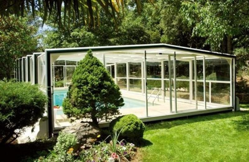Le cannet for Abris piscine eureka