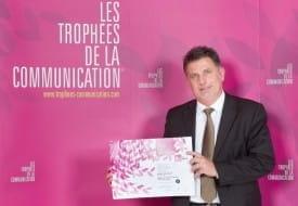 Remise du prix d ela troisième place du meilleur site web des entreprises de 50 à 249 salariés aux Trophées d ela comunication.
