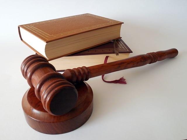 Recours en justice pour contester un permis de construire.