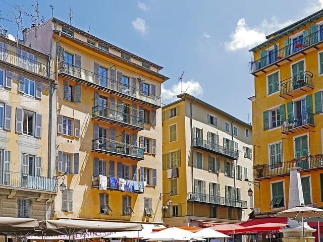 La ville de Nice encore traumatisée par les attentats.