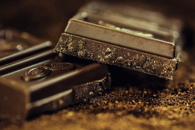Carrés de chocolat.