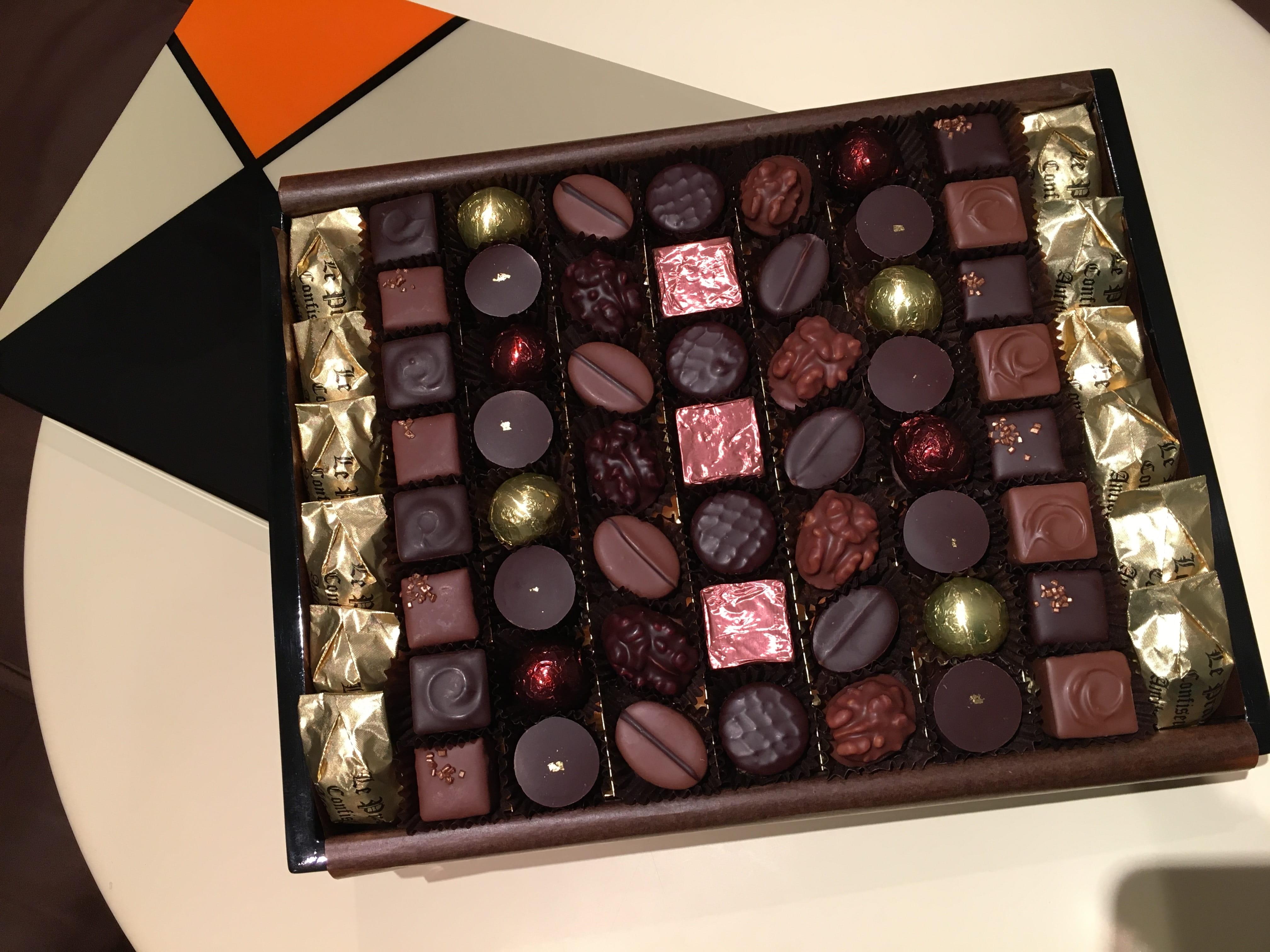 Boite de chocolats haut de gamme Le Pralin.