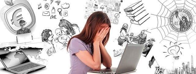 Femme qui subit du stress